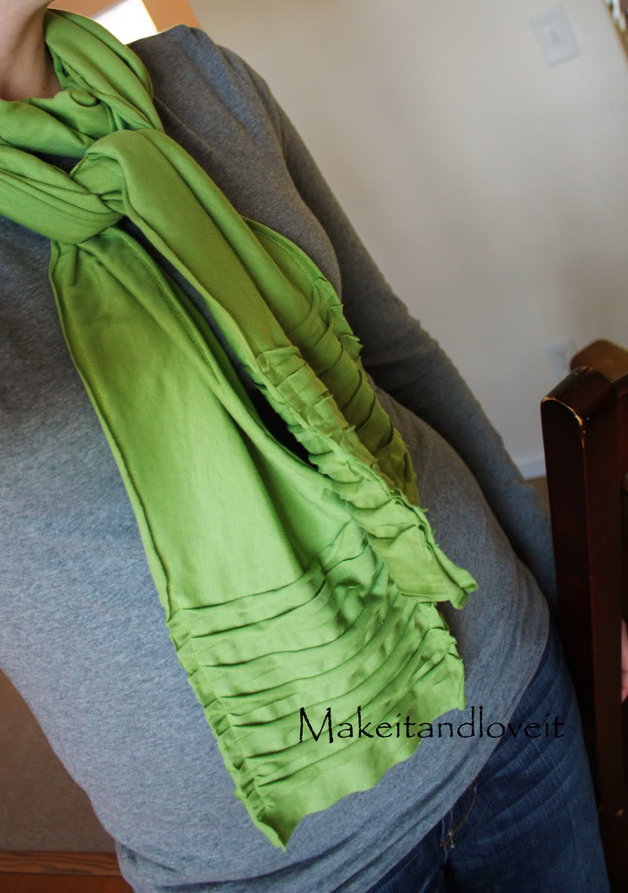 Do-It-Yourself: Turn a t-shirt into a scarf