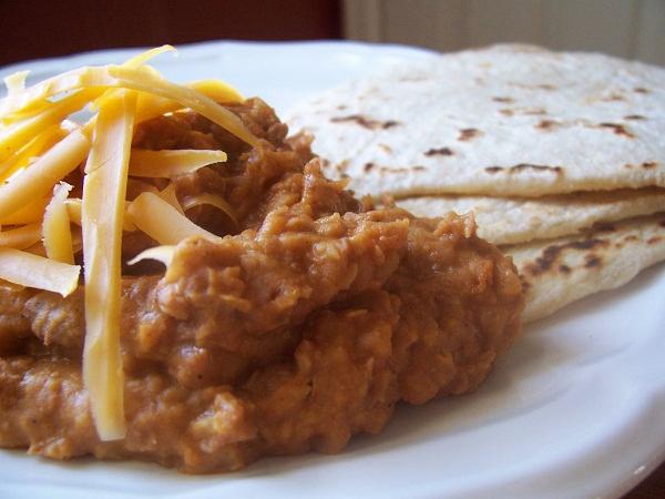 super cheap family dinner ideas bean burritos
