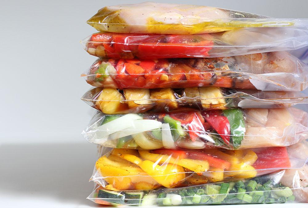 Make-7-healthy-chicken-crockpot-freezer-meals-in-under-an-hour-horz