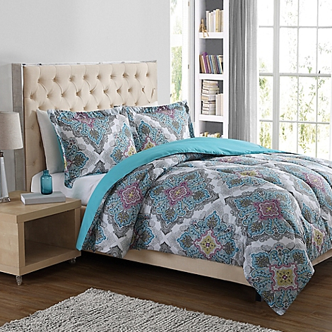 Get 3-piece comforter sets for just $29.99 shipped at Bed Bath & Beyond right now!
