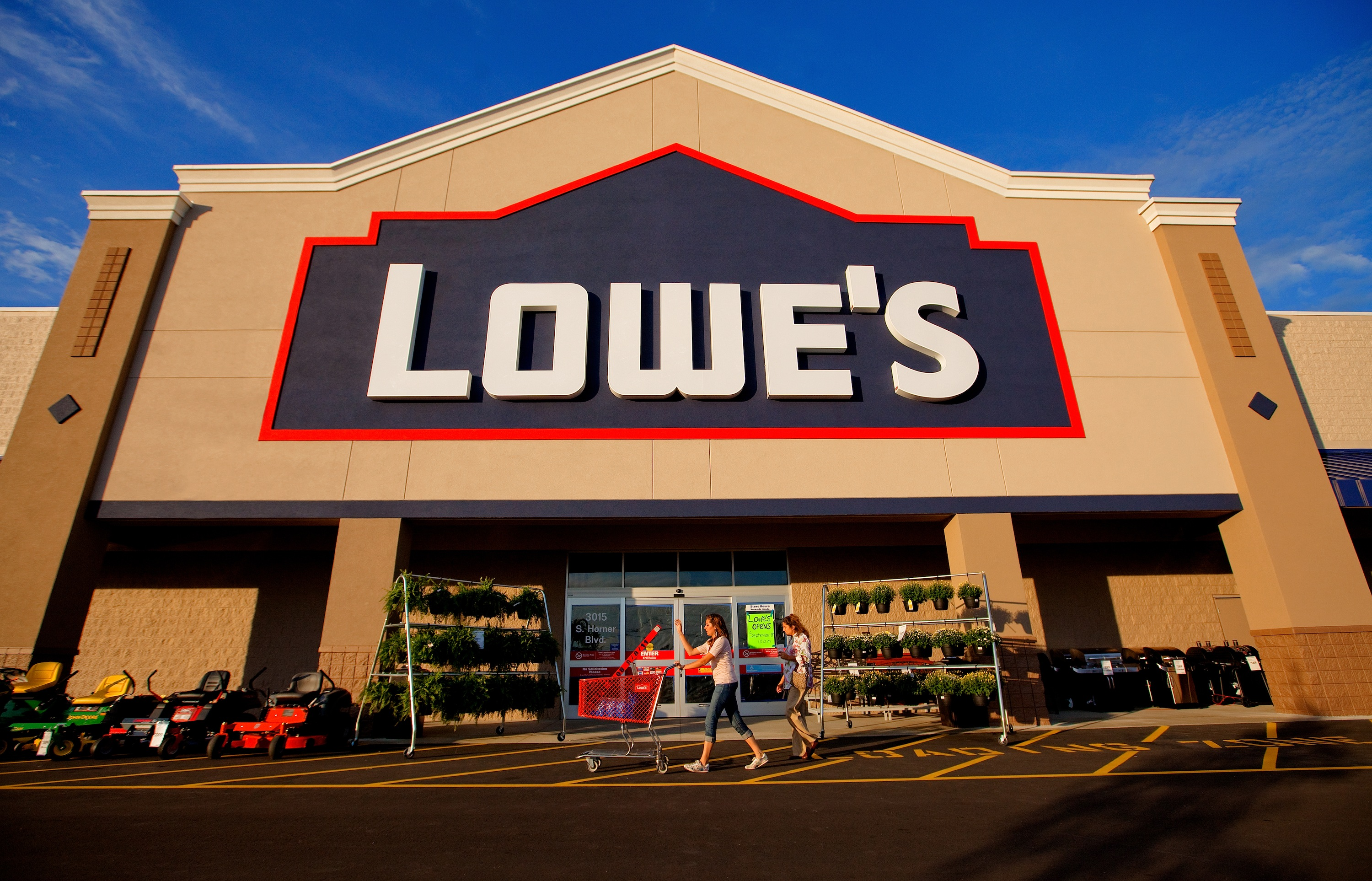 Lowes: $10 off $50 purchase coupon