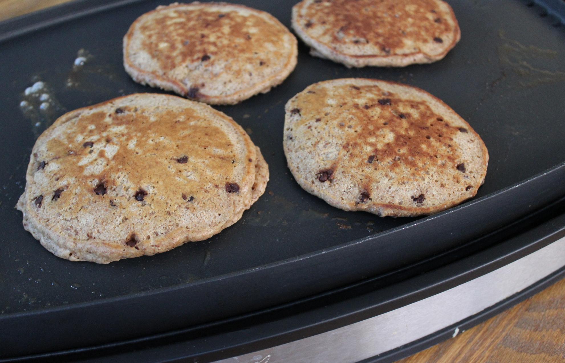 Whole-Wheat Chocolate Chip Pancakes {freezer-friendly ...