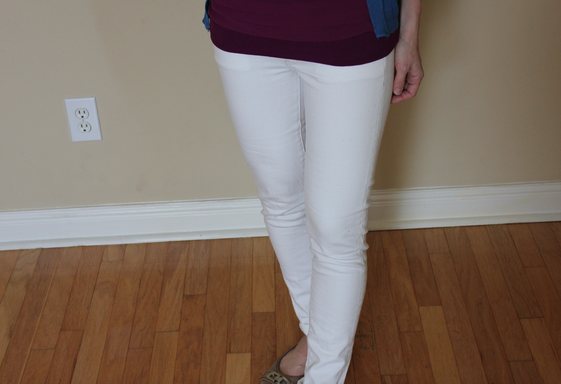 14 Pairs of White Jeans With Excellent Reviews picture