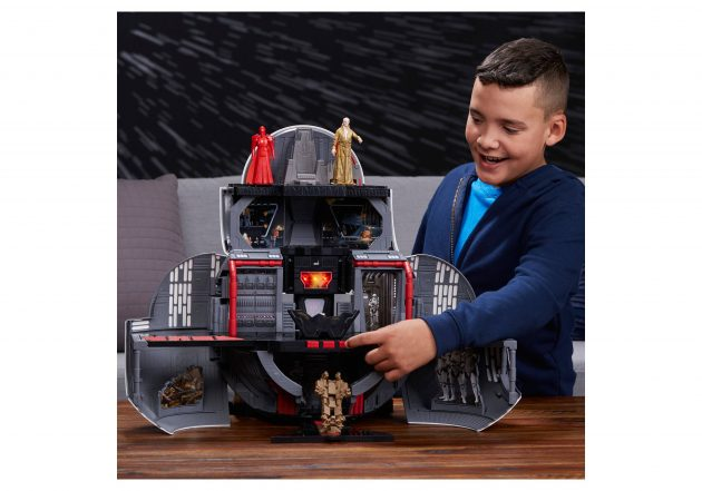 Target.com: Star Wars Force Link Mega 2-in-1 Playset only $89.94 shipped!