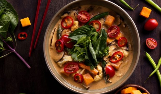 P.F. Chang's: Free Lunch Bowl with Entree Purchase