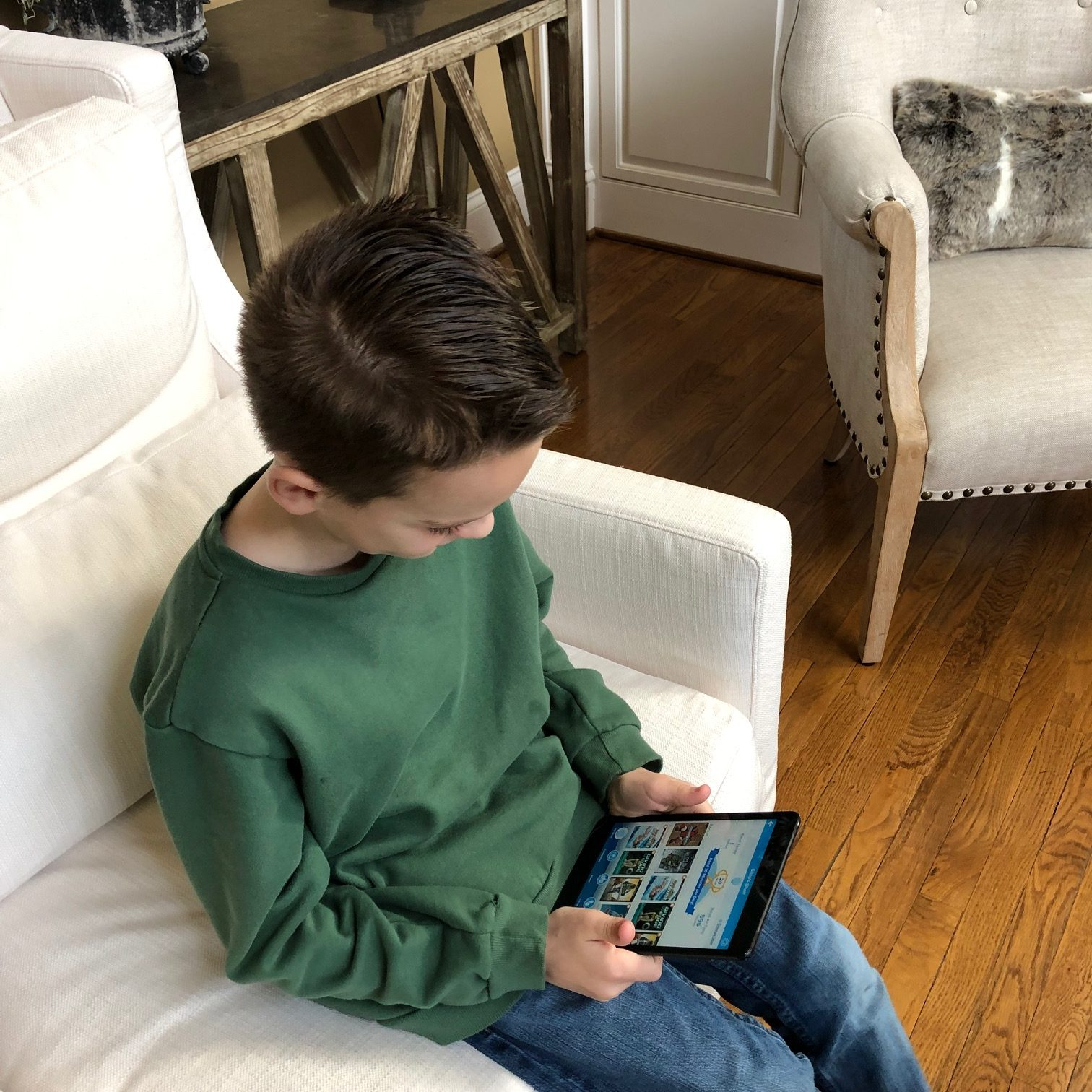 boy reading with ReadingIQ