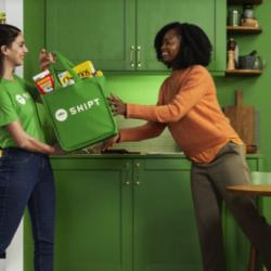 Shipt shopper delivering groceries