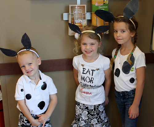 kids dressed like cows