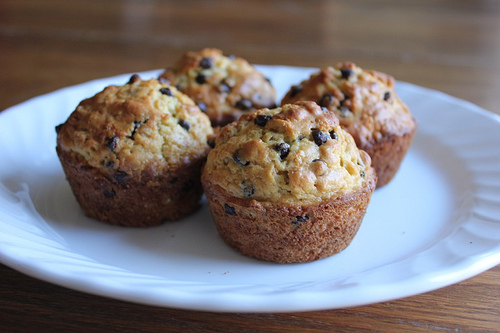 Breakfast Ideas for Kids: Oatmeal Chocolate Chip Muffins