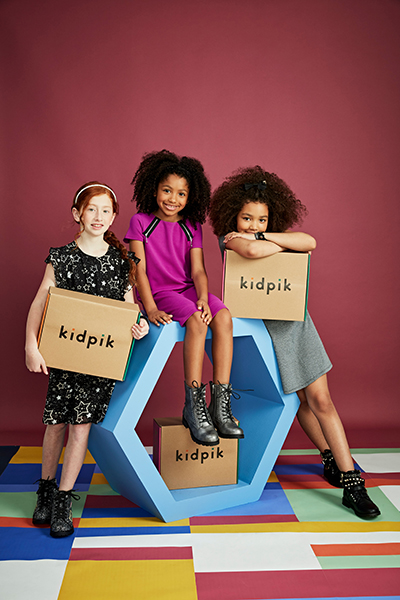 kids with Kidpik boxes