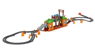 Thomas & Friends Walking Bridge Motorized Train Set, 32 Pieces