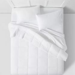 Room Essentials All Season Down Alternative Machine Washable Comforter