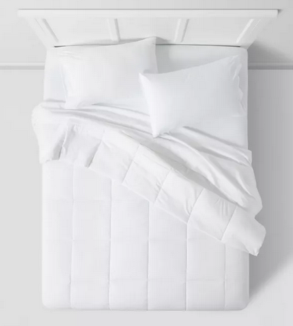 Room Essentials All Season Down Alternative Machine Washable Comforter