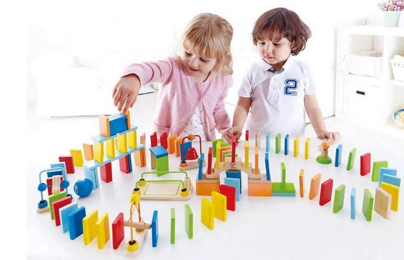 Hape Dynamo Kid's Wooden Domino Set