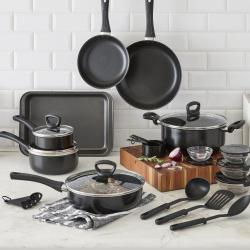 Cooks 30-Piece Nonstick Cookware Set